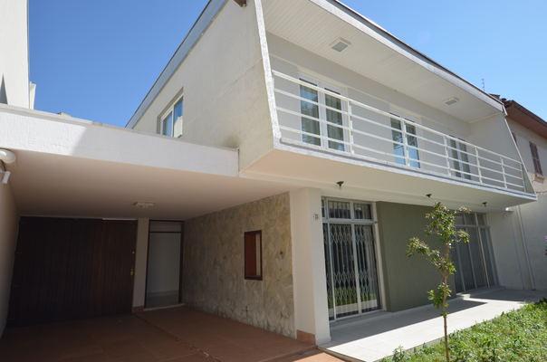 Casa Comercial à Venda - Curitiba