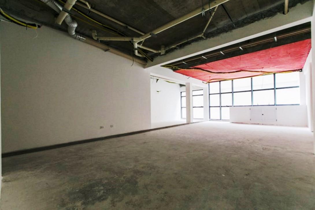 Foto 2 - SALA COMERCIAL em CURITIBA - PR, no bairro Centro - Referência LE00817