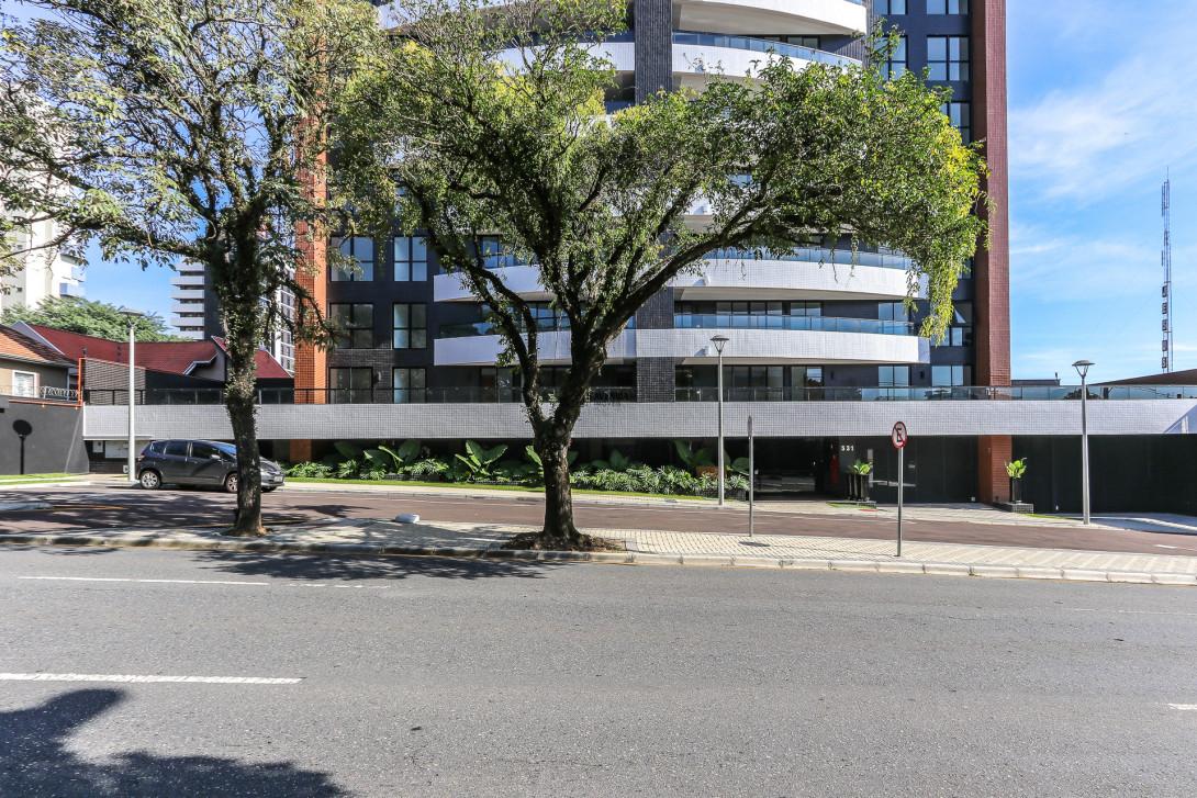 Foto 3 - APARTAMENTO em CURITIBA - PR, no bairro Cabral - Referência LE00216
