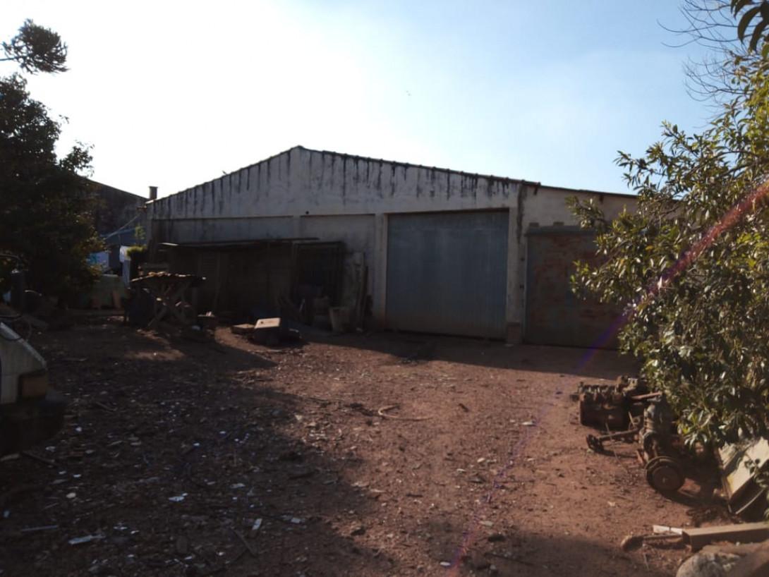 Foto 1 - BARRACÃO/GALPÃO em SÃO JOSÉ DOS PINHAIS - PR, no bairro Roseira - Referência GAL0002