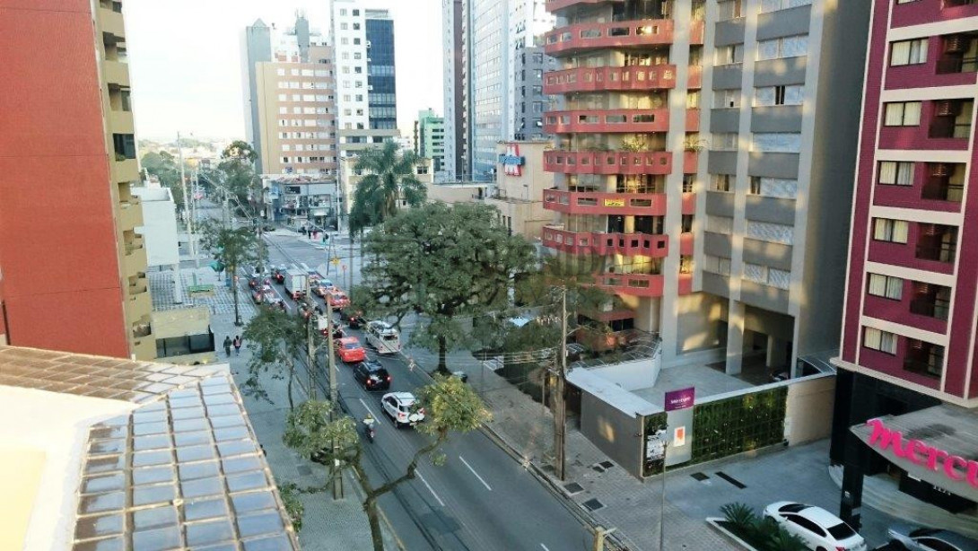 Foto 3 - APARTAMENTO em CURITIBA - PR, no bairro Batel - Referência PR00030