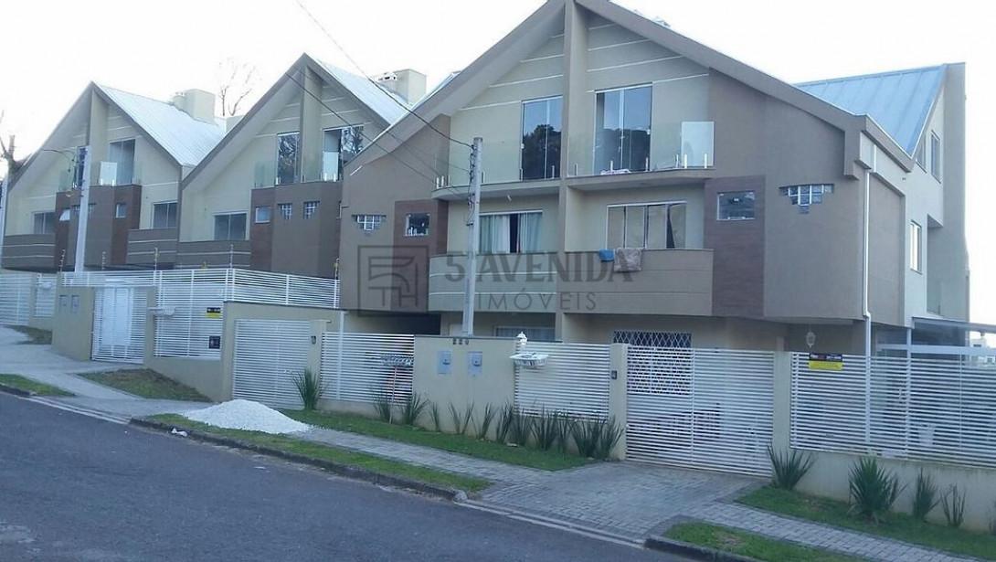 Foto 1 - SOBRADO em CURITIBA - PR, no bairro Santa Felicidade - Referência PR00038