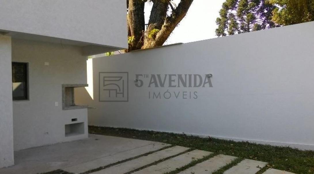 Foto 7 - SOBRADO em CURITIBA - PR, no bairro Bom Retiro - Referência LE00530