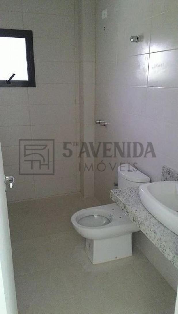 Foto 17 - SOBRADO em CURITIBA - PR, no bairro Bom Retiro - Referência LE00530