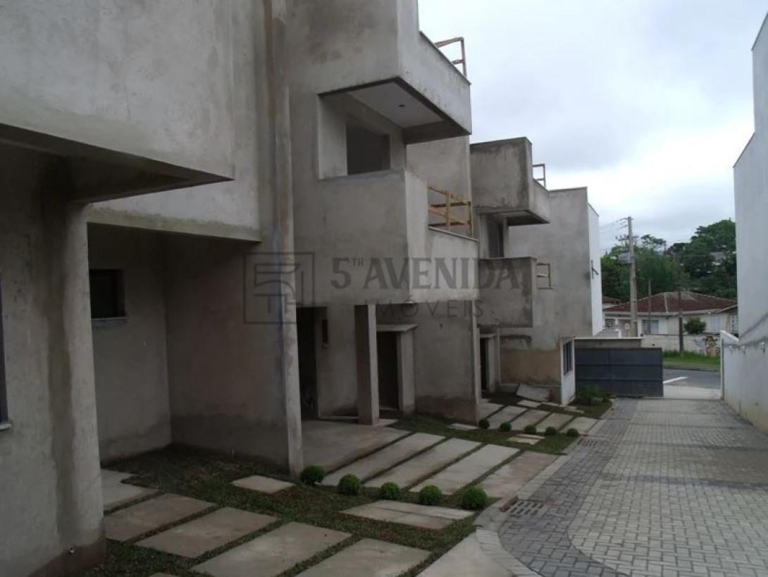 Foto 6 - SOBRADO em CURITIBA - PR, no bairro Bom Retiro - Referência LE00530