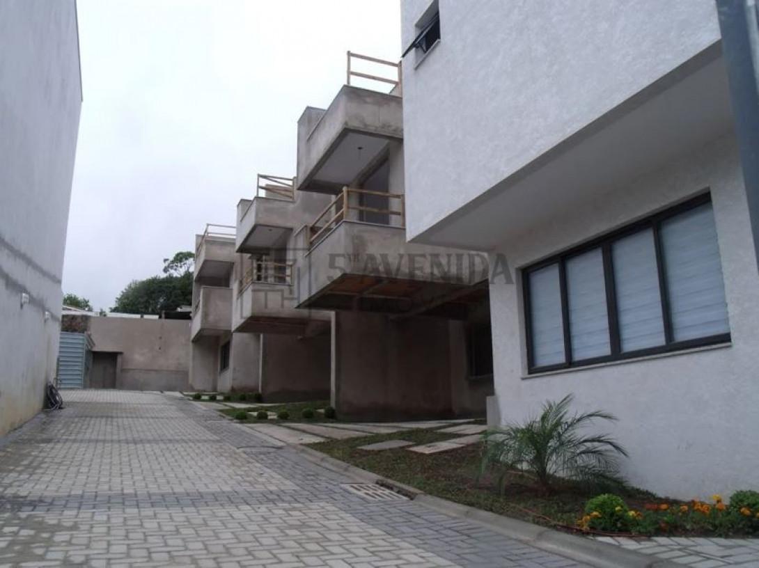 Foto 8 - SOBRADO em CURITIBA - PR, no bairro Bom Retiro - Referência LE00530