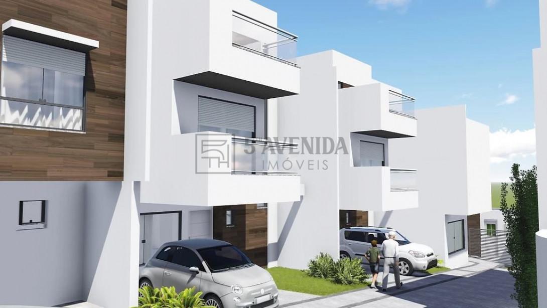 Foto 4 - SOBRADO em CURITIBA - PR, no bairro Bom Retiro - Referência LE00530