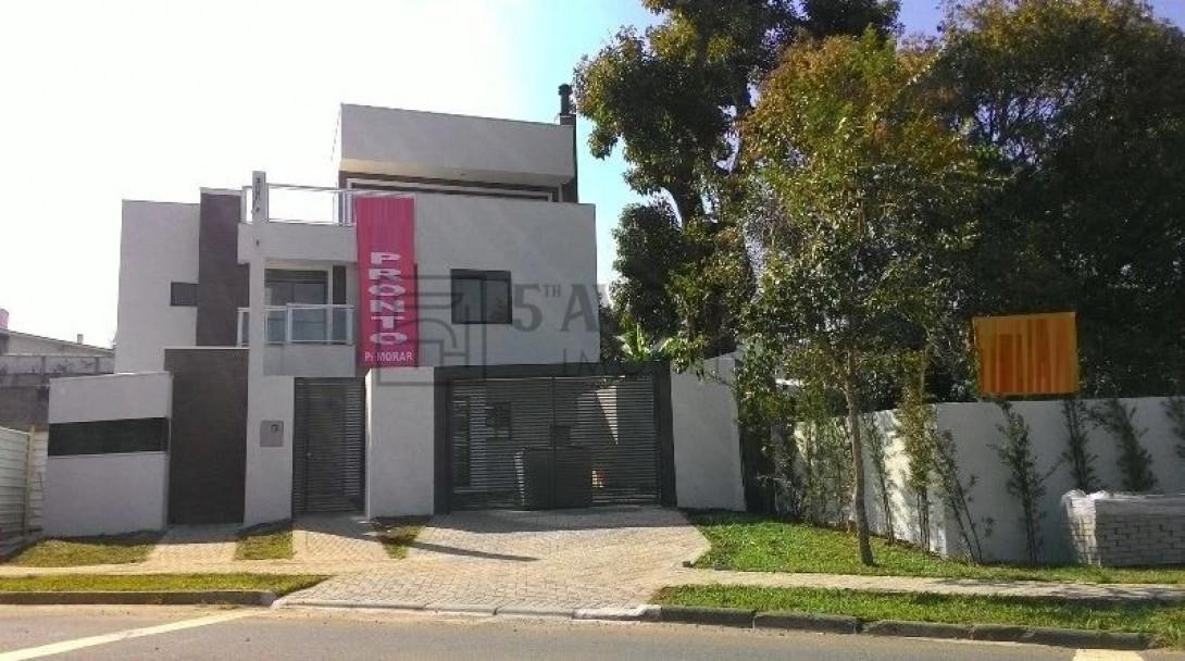 Foto 3 - SOBRADO em CURITIBA - PR, no bairro Bom Retiro - Referência LE00530