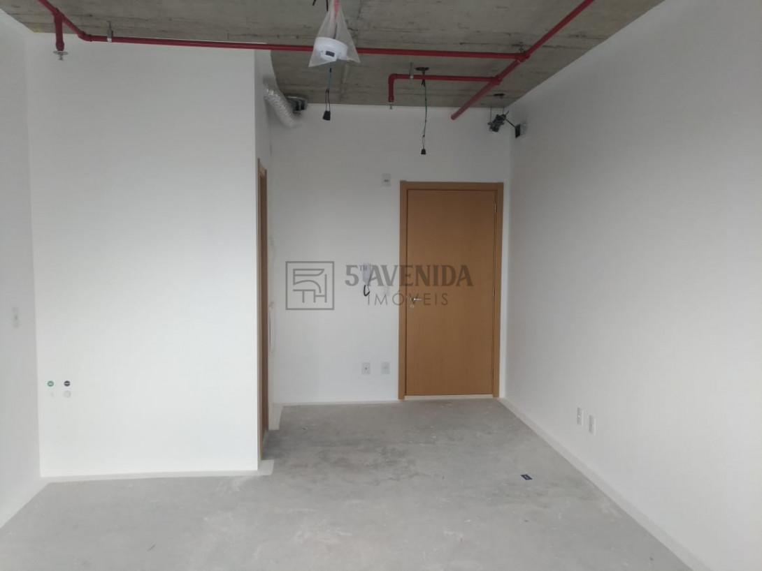 Foto 2 - SALA COMERCIAL em CURITIBA - PR, no bairro Batel - Referência AN00080