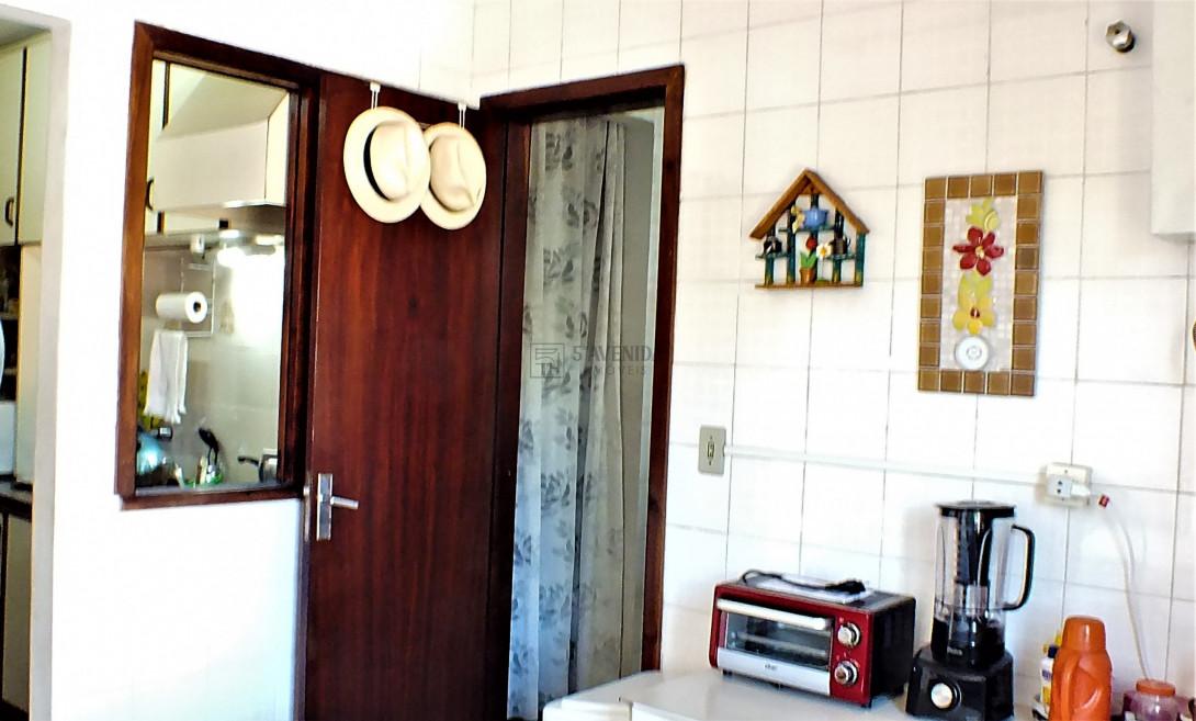 Foto 4 - SOBRADO em CURITIBA - PR, no bairro Água Verde - Referência AN00091