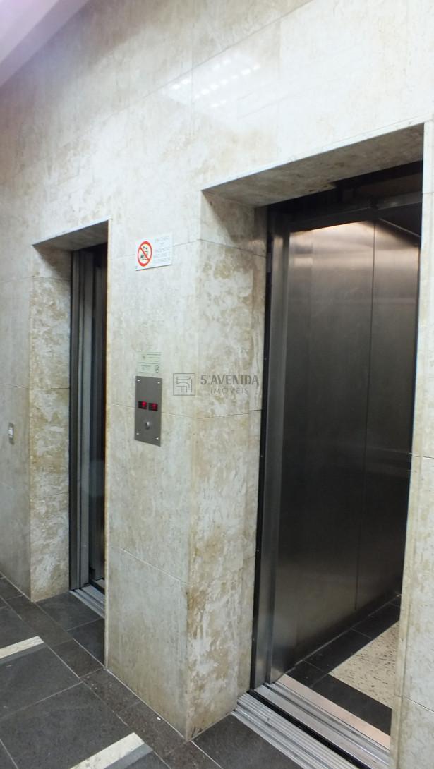 Foto 4 - PRÉDIO para locação no Centro  - Próximo a Rua XV de Novembro