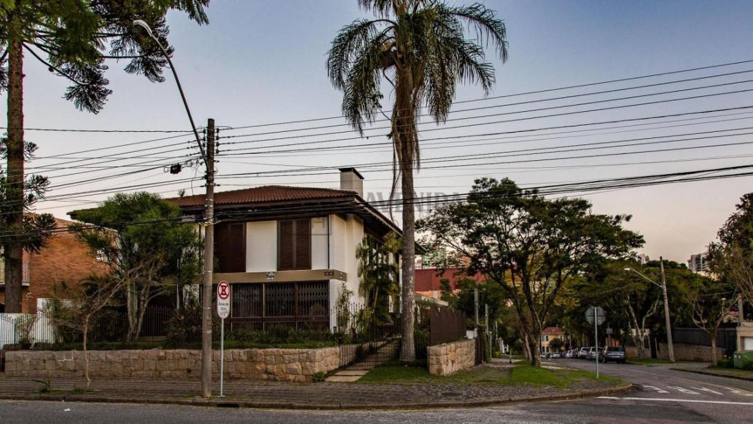 Foto 1 - CASA em CURITIBA - PR, no bairro Batel - Referência AN00118