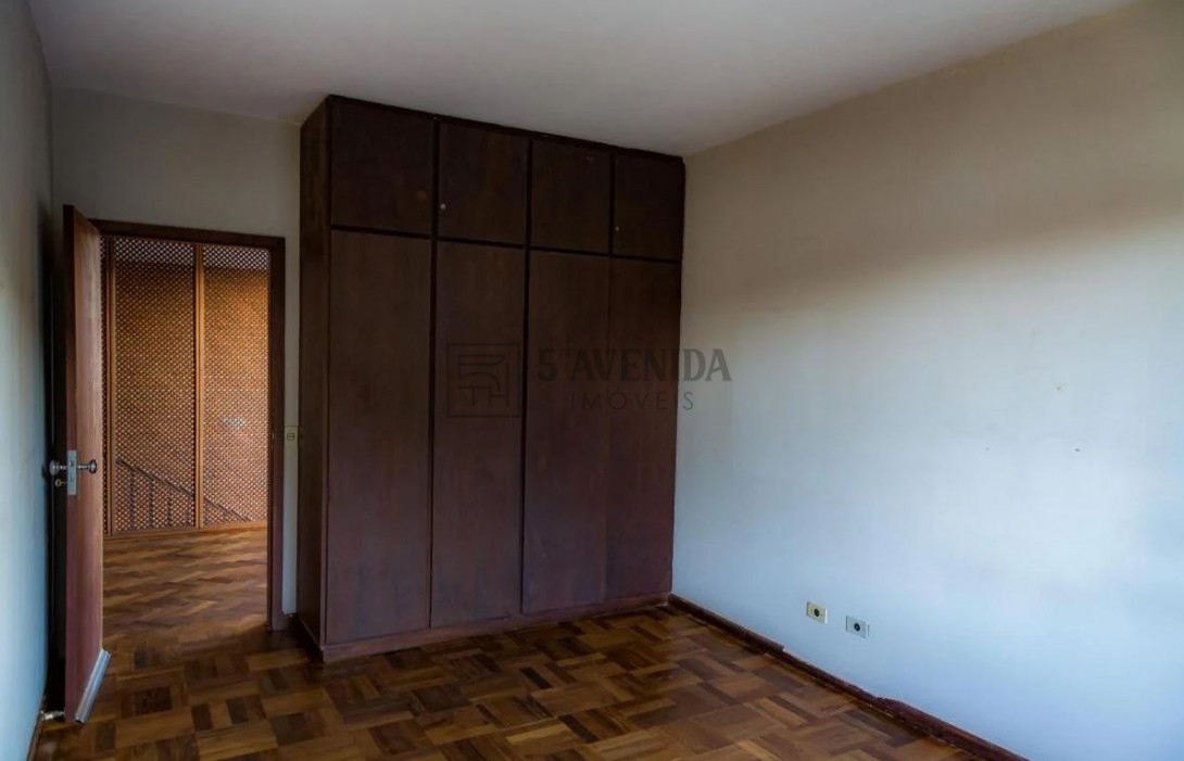 Foto 13 - CASA em CURITIBA - PR, no bairro Batel - Referência AN00118