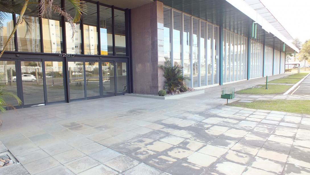 Foto 4 - COMPLEXO COMERCIAL em CURITIBA - PR, no bairro Novo Mundo - Referência ACCC00001