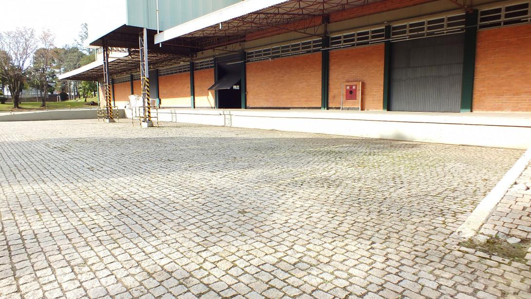 Foto 11 - COMPLEXO COMERCIAL em CURITIBA - PR, no bairro Novo Mundo - Referência ACCC00001