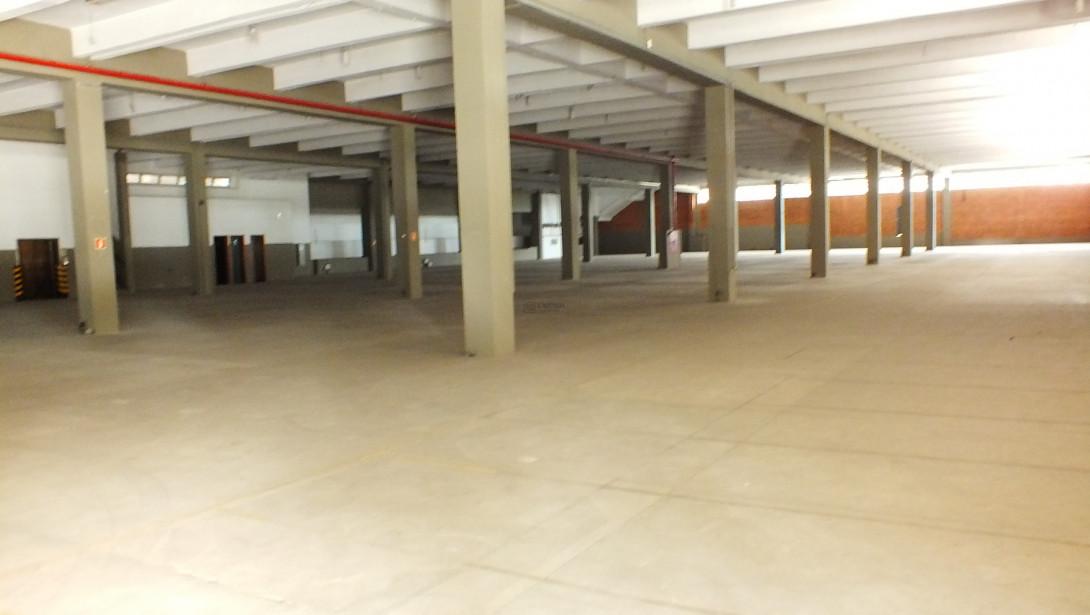 Foto 13 - COMPLEXO COMERCIAL em CURITIBA - PR, no bairro Novo Mundo - Referência ACCC00001
