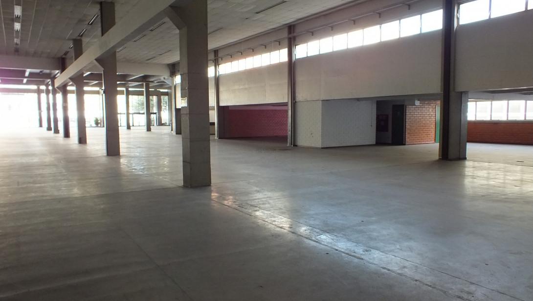 Foto 19 - COMPLEXO COMERCIAL em CURITIBA - PR, no bairro Novo Mundo - Referência ACCC00001
