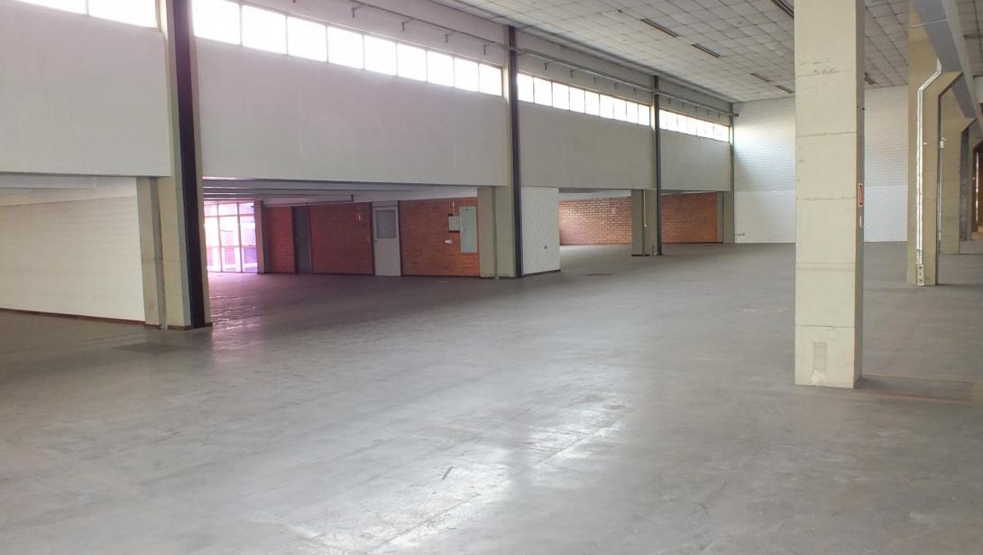 Foto 25 - COMPLEXO COMERCIAL em CURITIBA - PR, no bairro Novo Mundo - Referência ACCC00001