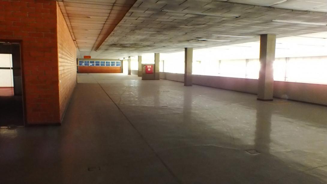 Foto 28 - COMPLEXO COMERCIAL em CURITIBA - PR, no bairro Novo Mundo - Referência ACCC00001