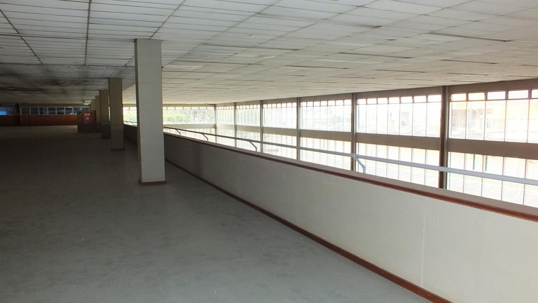 Foto 30 - COMPLEXO COMERCIAL em CURITIBA - PR, no bairro Novo Mundo - Referência ACCC00001