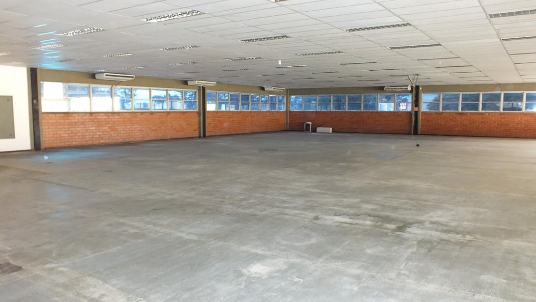 Foto 31 - COMPLEXO COMERCIAL em CURITIBA - PR, no bairro Novo Mundo - Referência ACCC00001