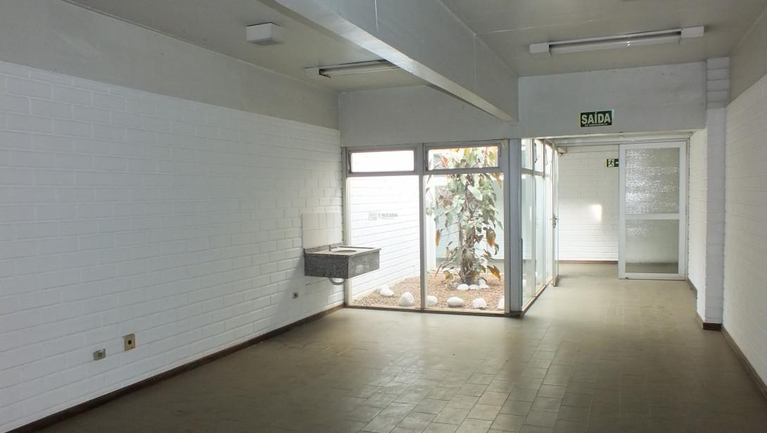 Foto 34 - COMPLEXO COMERCIAL em CURITIBA - PR, no bairro Novo Mundo - Referência ACCC00001