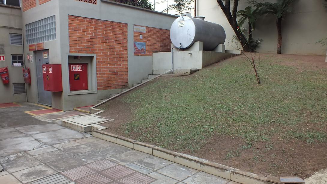 Foto 37 - COMPLEXO COMERCIAL em CURITIBA - PR, no bairro Novo Mundo - Referência ACCC00001