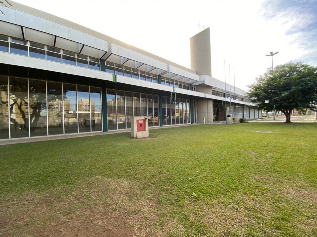 Foto 40 - COMPLEXO COMERCIAL em CURITIBA - PR, no bairro Novo Mundo - Referência ACCC00001