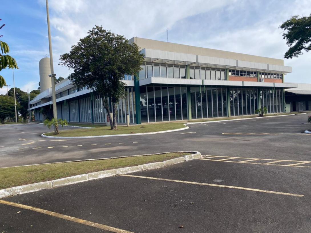 Foto 48 - COMPLEXO COMERCIAL em CURITIBA - PR, no bairro Novo Mundo - Referência ACCC00001