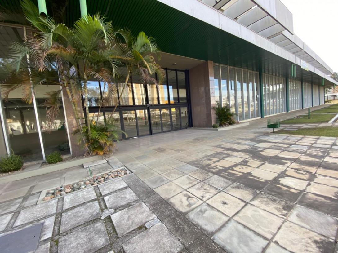 Foto 41 - COMPLEXO COMERCIAL em CURITIBA - PR, no bairro Novo Mundo - Referência ACCC00001