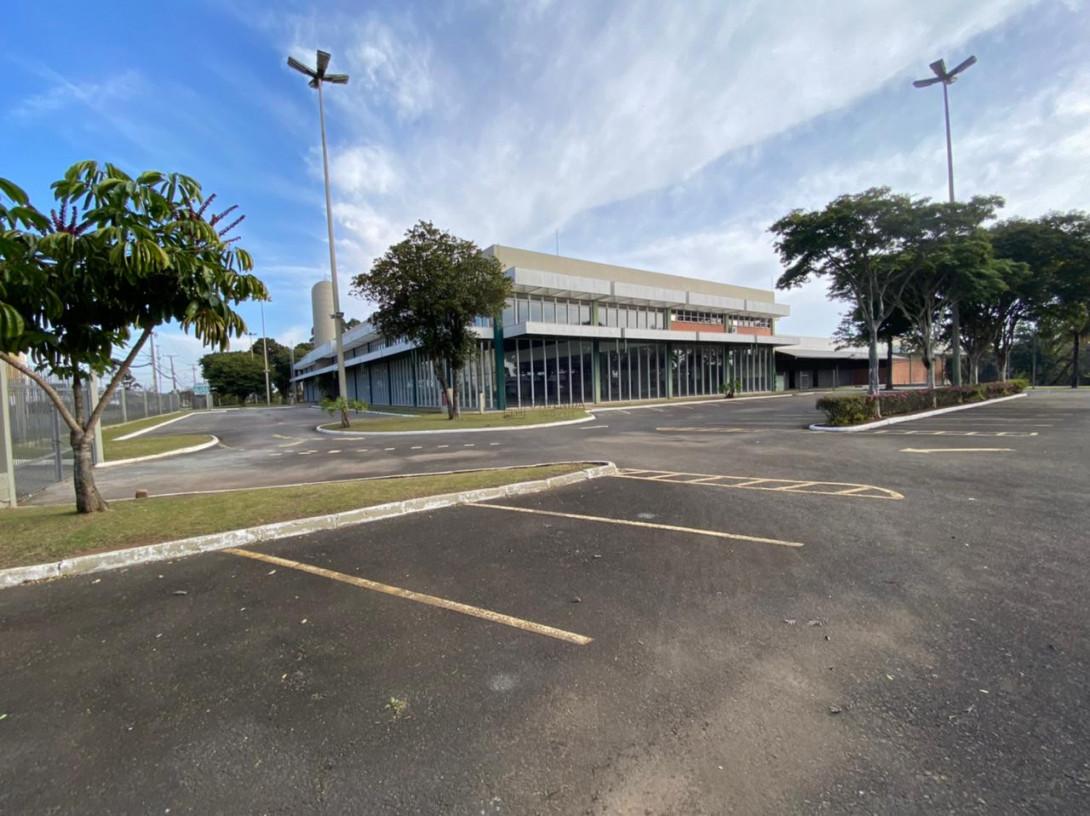 Foto 50 - COMPLEXO COMERCIAL em CURITIBA - PR, no bairro Novo Mundo - Referência ACCC00001