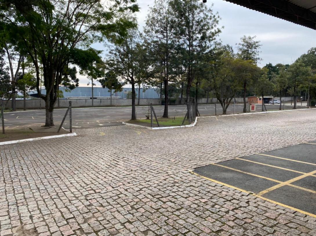Foto 62 - COMPLEXO COMERCIAL em CURITIBA - PR, no bairro Novo Mundo - Referência ACCC00001