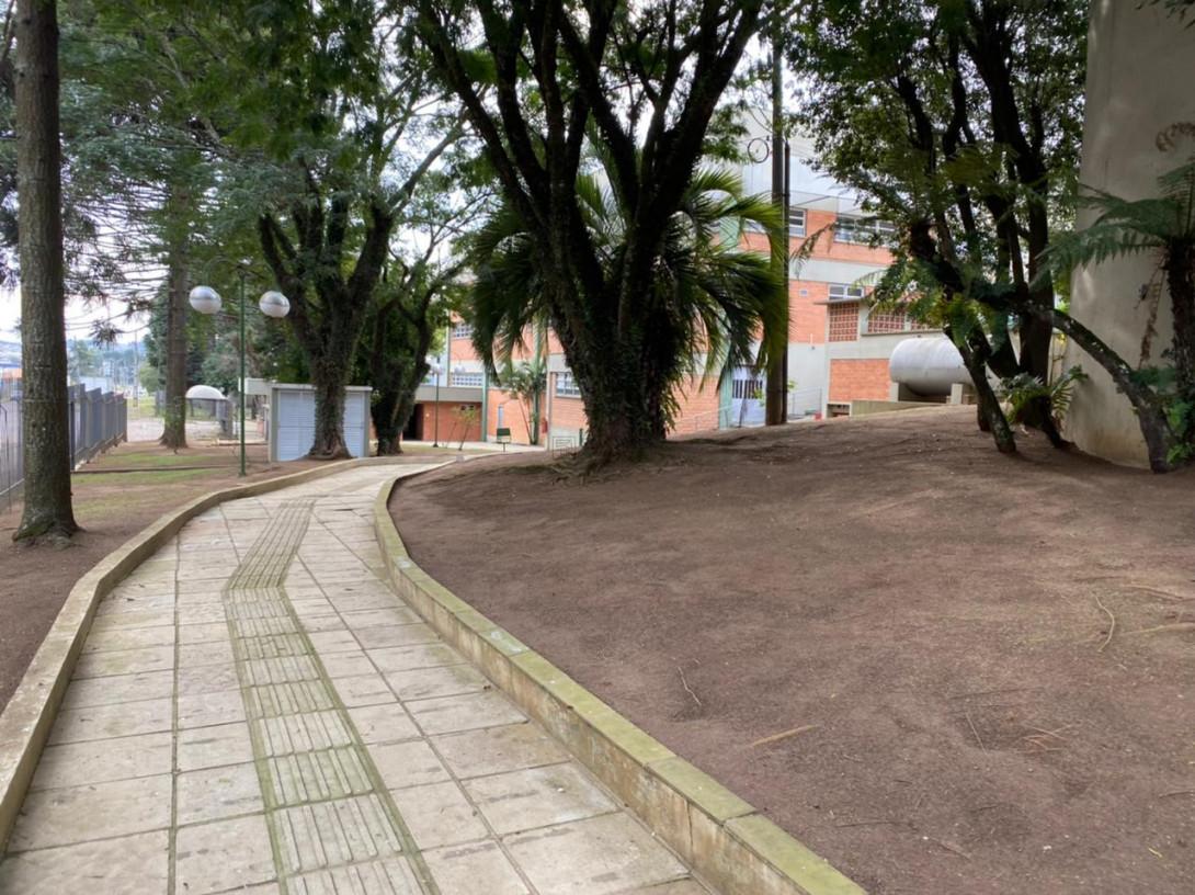 Foto 69 - COMPLEXO COMERCIAL em CURITIBA - PR, no bairro Novo Mundo - Referência ACCC00001