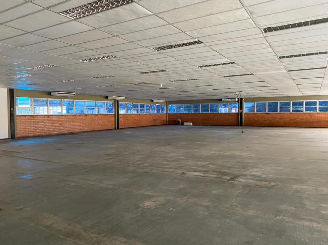 Foto 79 - COMPLEXO COMERCIAL em CURITIBA - PR, no bairro Novo Mundo - Referência ACCC00001