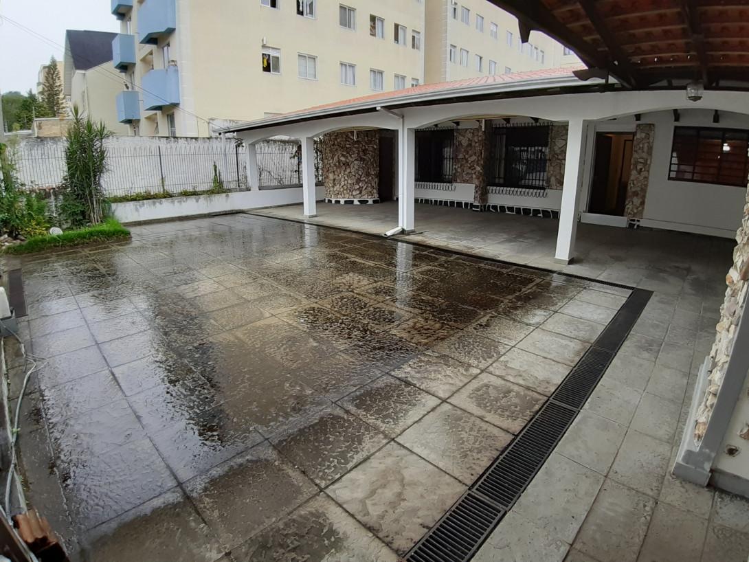 Foto 2 - CASA em CURITIBA - PR, no bairro Água Verde - Referência AN00130