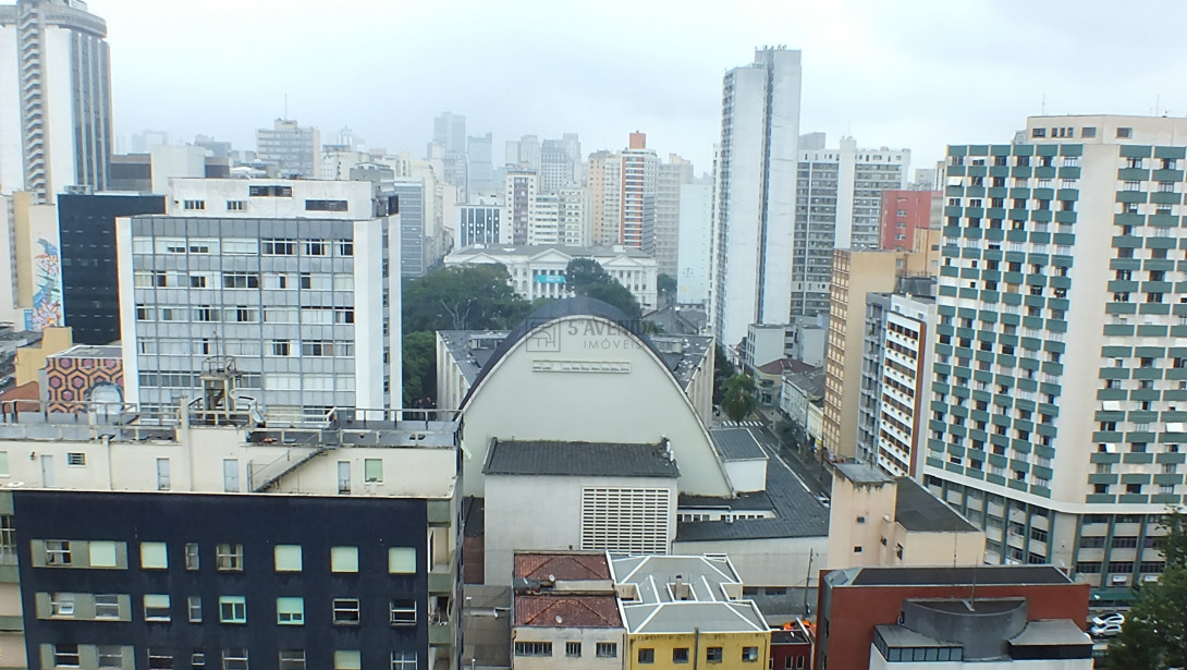 Foto 10 - APARTAMENTO em CURITIBA - PR, no bairro Centro - Referência ARAP00015