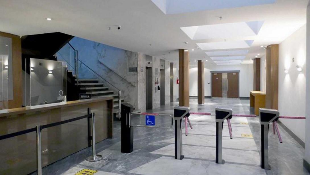 Foto 5 - COMPLEXO COMERCIAL em CURITIBA - PR, no bairro Centro - Referência LE00789