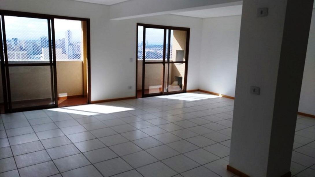 Foto 1 - COBERTURA em CURITIBA - PR, no bairro Centro - Referência LE00816