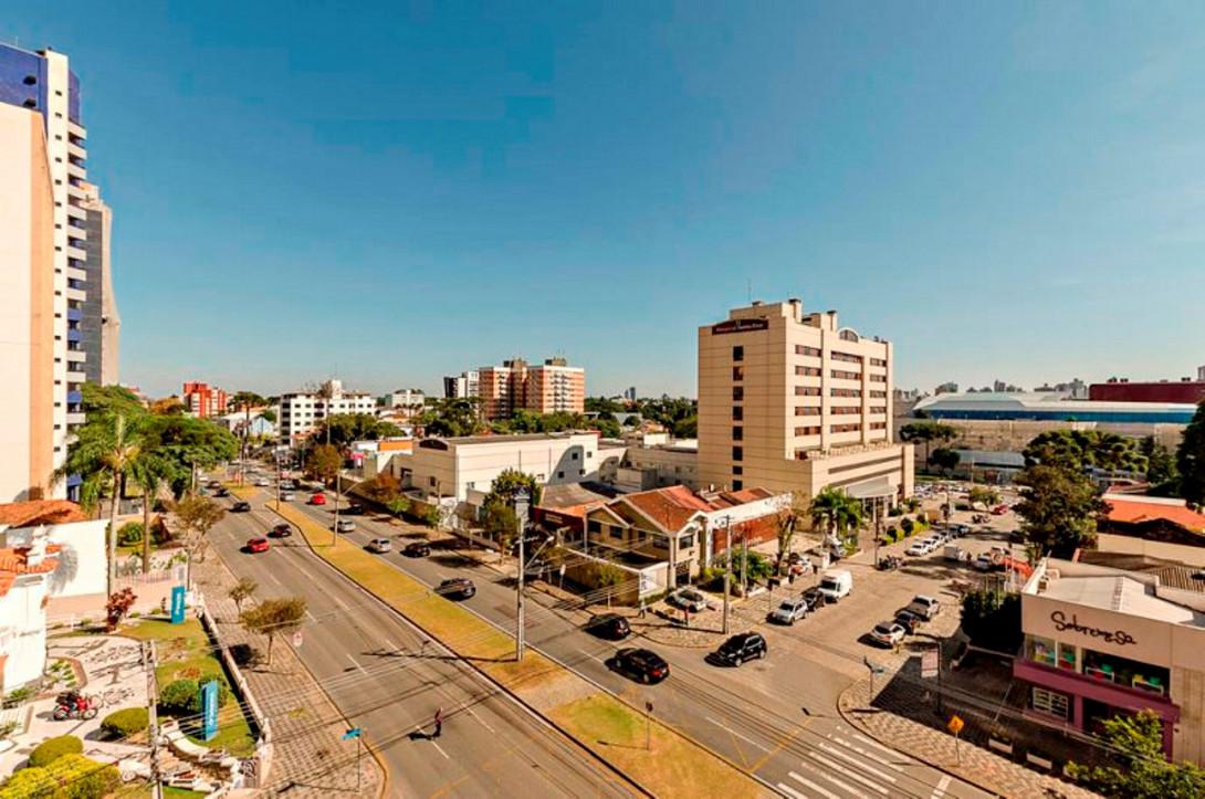 Foto 7 - APARTAMENTO em CURITIBA - PR, no bairro Batel - Referência LE00831