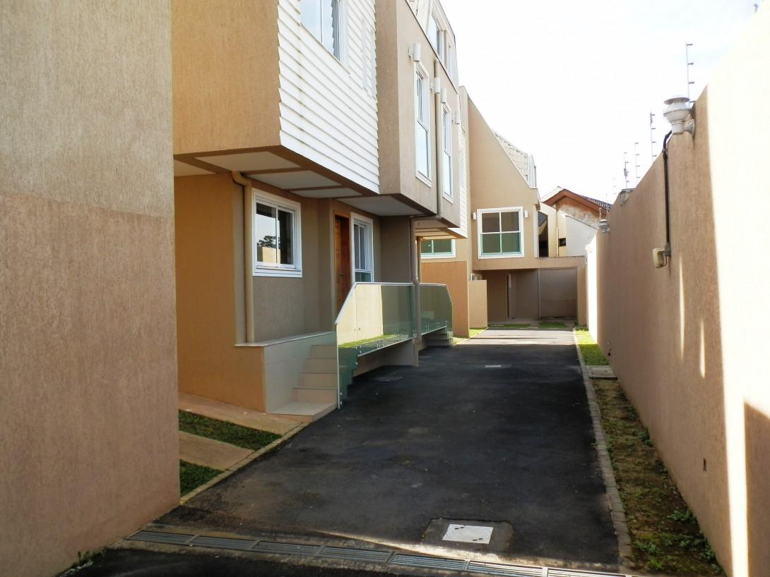 Foto 3 - SOBRADO EM CONDOMÍNIO em CURITIBA - PR, no bairro Boa Vista - Referência LE00045