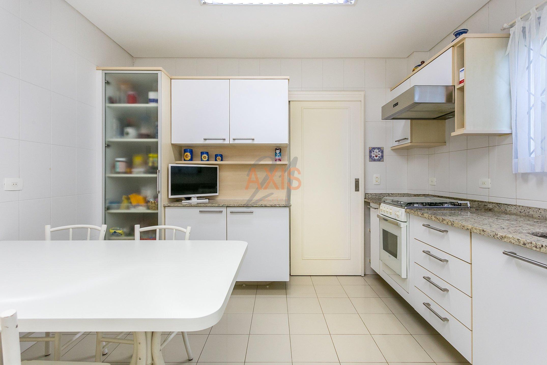 Casa / Sobrado à Venda - Centro Cívico